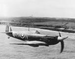 Spitfire_Mk_IIa_P7895_72_Sqn