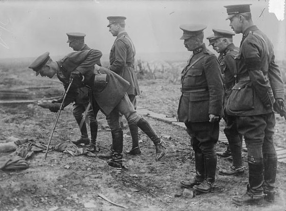 King_Albert_I_of_Belgium_on_battle_field