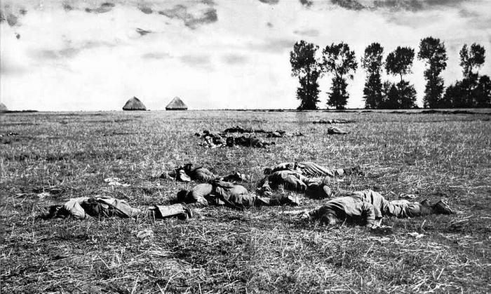 German-dead-at-the-Marne_1914