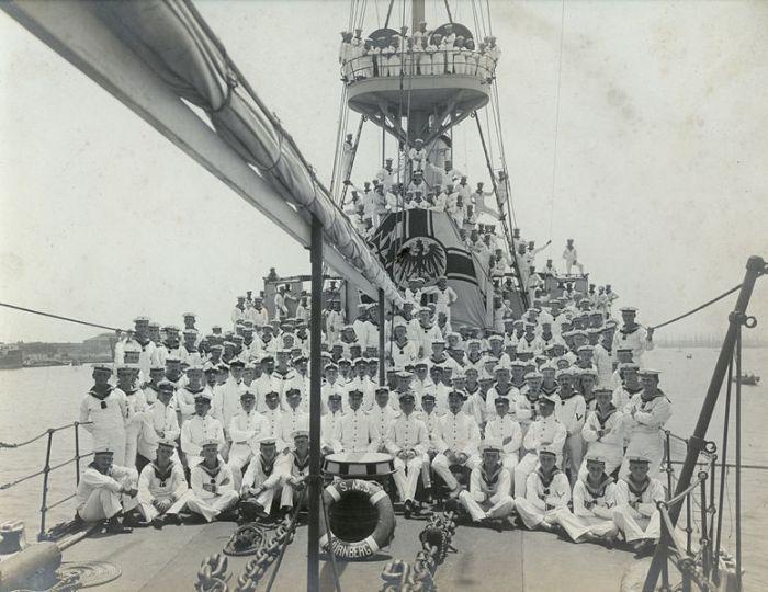 38-SMS_Nürnberg-crew_Besatzung