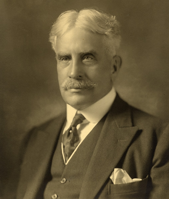 Sir_Robert_Laird_Borden,_1915