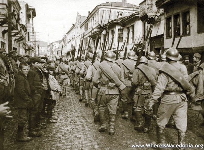 01-French-russian-soldiers-in-monastir-bitola