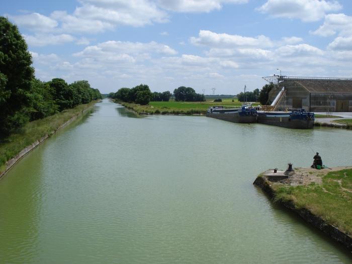 Canal_de_l'Aisne_à_la_Marne_à_Courmelois