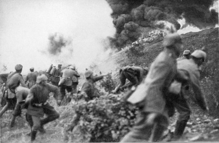 28.1. German infantry attacking