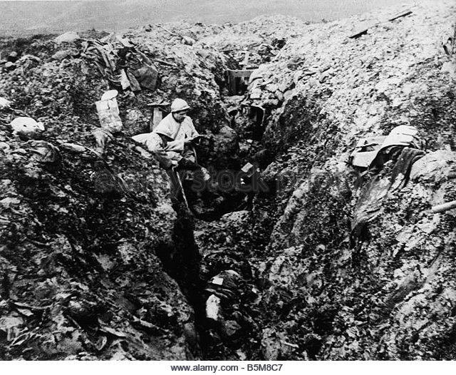 28.1. WWI France Trench
