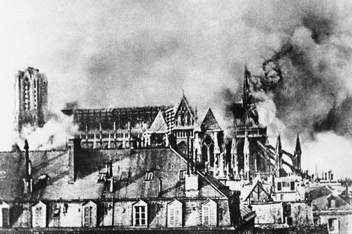 Bombardment of the Cathedral of Reims.jpg