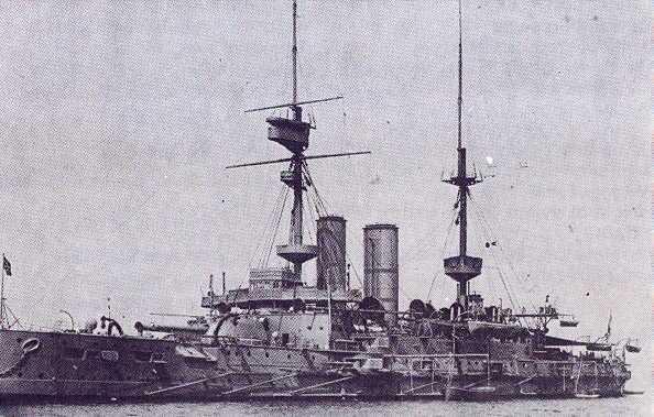 HMS_Irresistible_(1898)_in_1908.jpg