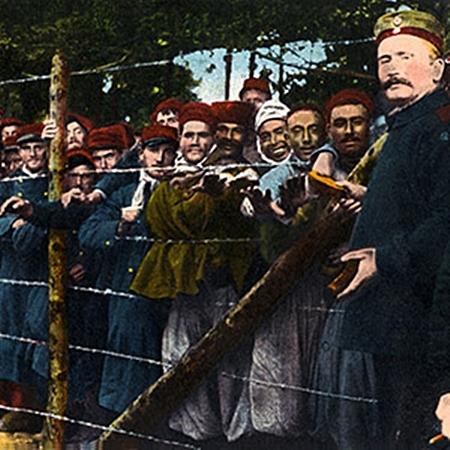 German-camp-wwi-soldiers-prisoners
