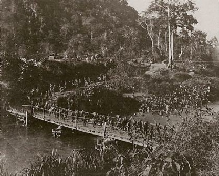 5.1.d FRONTIERSMEN CROSSING THE RUVU BY TEMPORARY BRIDGE