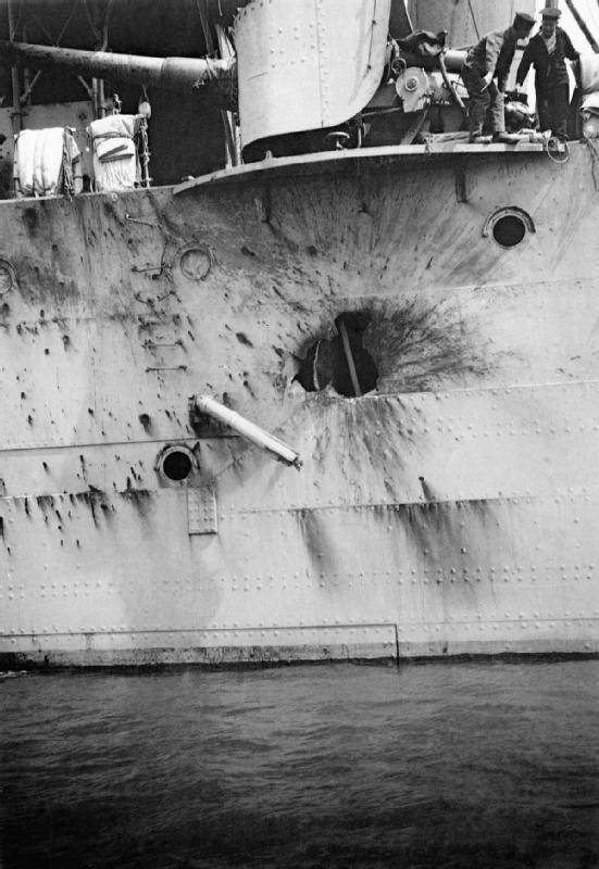 HMS_Chester_Jutland_battle_damage_1916_IWM_SP_1594