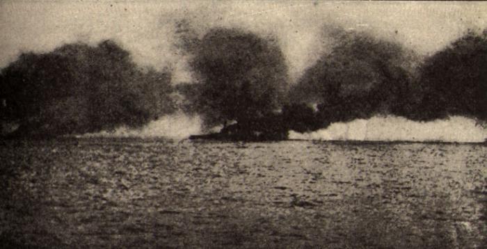 HMS_Lion_hit_at_Jutland-700x358