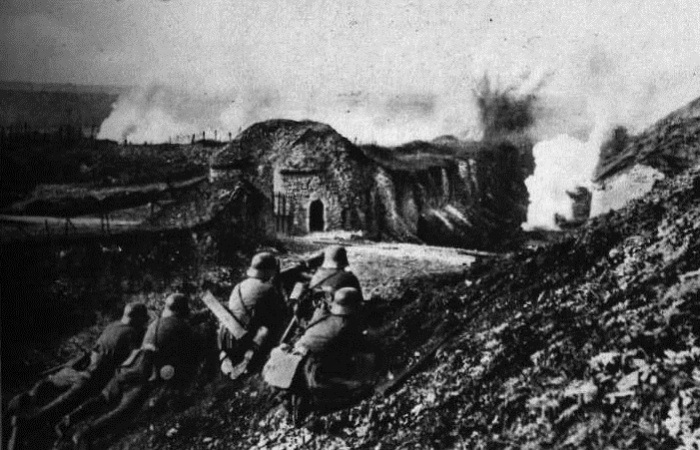 WWI_Attack_on_Fort_Vaux_1916