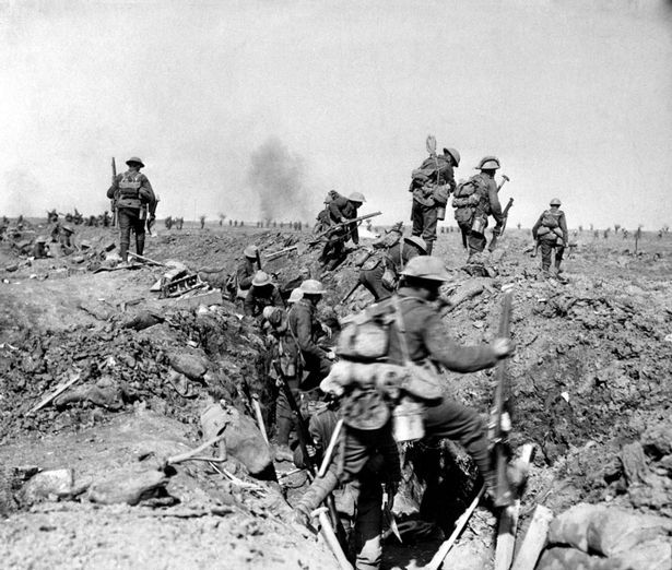 07b British troops during the Somme Offensive in France