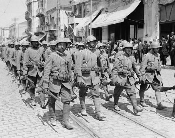12.8b 3h Italian troops of the 35th Infantry Division marching through Salonika
