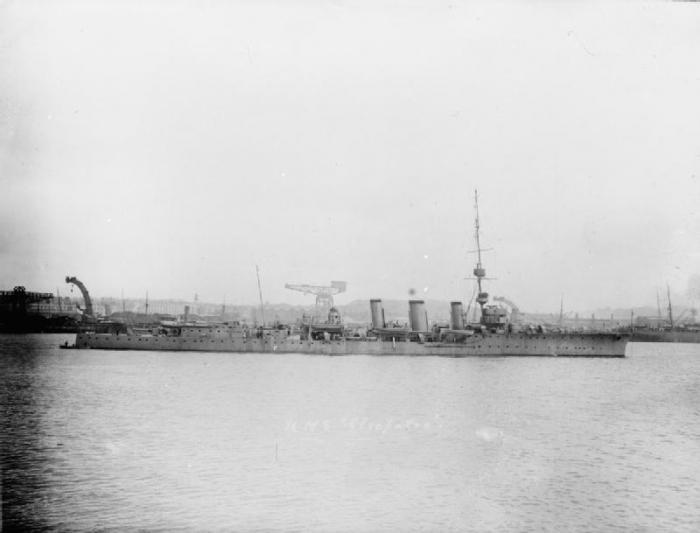 4.8c HMS_Cleopatra_(1915)