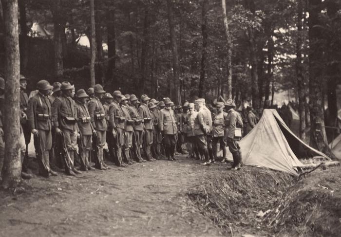 WWI_-_Monte_Ortigara_-_Italian_Alpini_before_the_Battle_for_Monte_Ortigara_June_1917