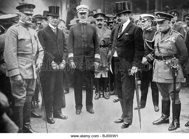 general-pershing-arriving-at-liverpool-8-june-1917-c1920-bjrxw1