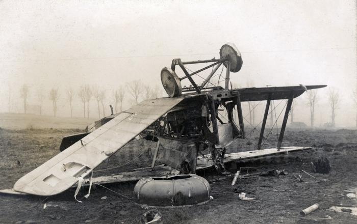 A8 DH5_wreckage