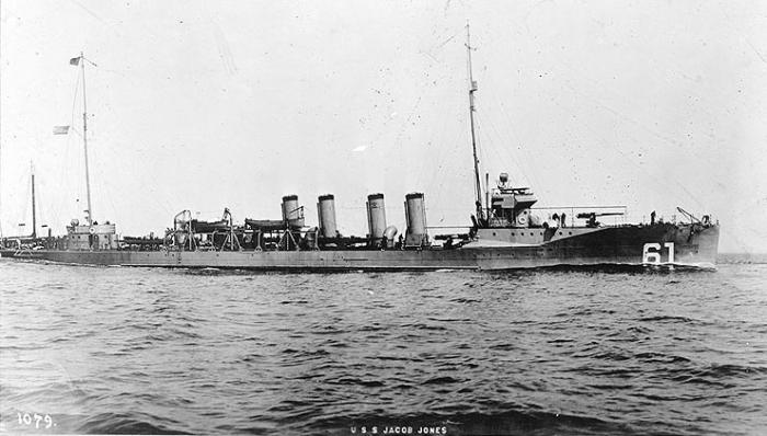 D2 USS_Jacob_Jones_(DD-61)