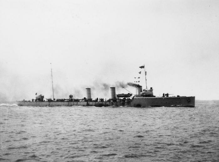 F1 German_Imperial_Navy_Zerstorer_Typ_G_101_underway_c1916