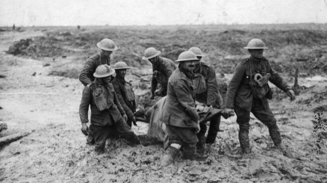 22.8.a Soldiers in the mud at the battle of Passchendaele