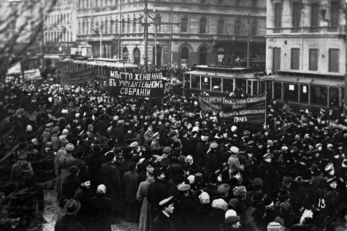 16.7.b demonstration-on-nevsky-prospekt 1917