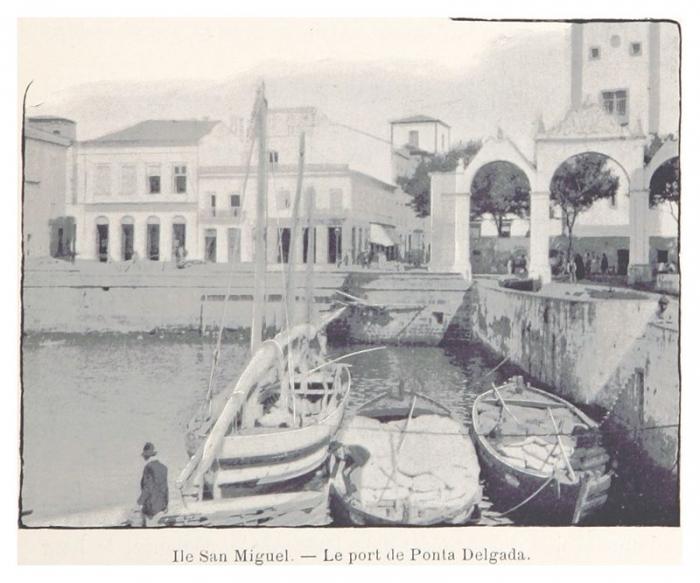 4.7a_Lile_San_Miguel_Le_port_de_Ponta_Delgada