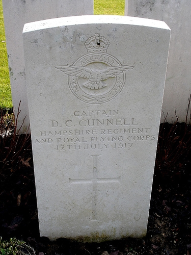 6.7cc donald_cunnell_headstone