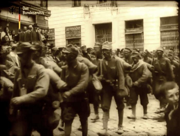 6.8.d parade on capture of Czernowitz