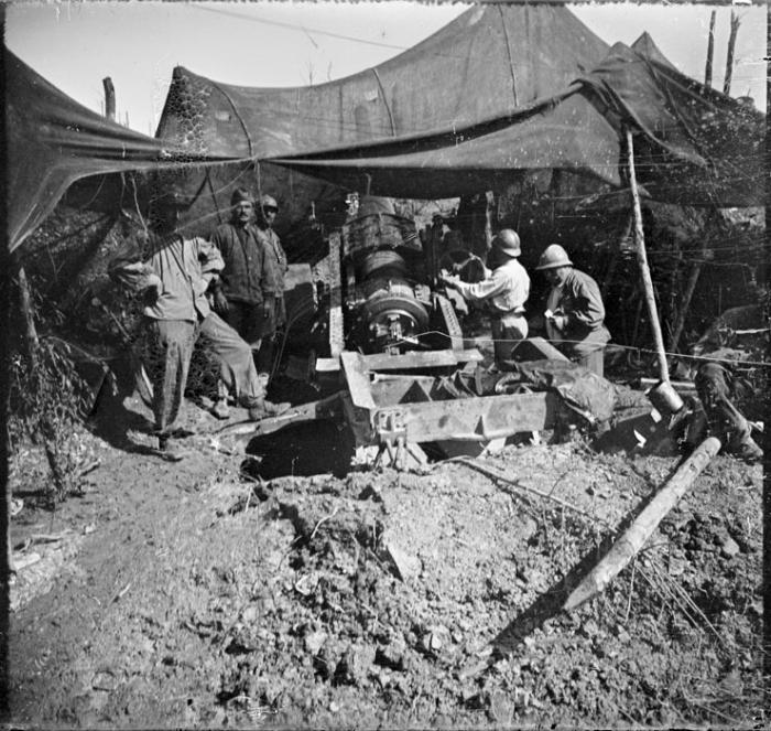 9.9.a French artillery Verdun