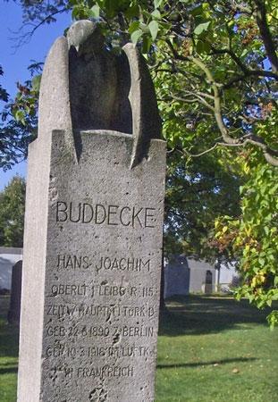 10.3b Buddecke graves