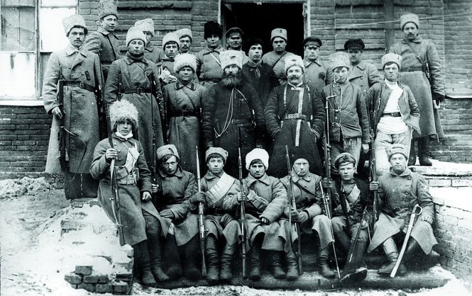 11.1.b A unit of Russian Bolsheviks during the first occupation of Ukraine