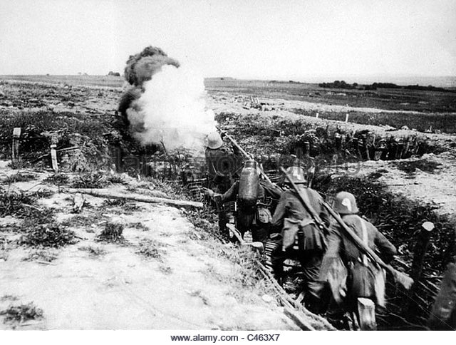 12.1.a german-assault-troop-with-a-flame-thrower-1918-