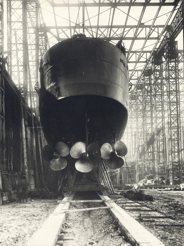 12.1.b Stern_view_of_HMS_Opal