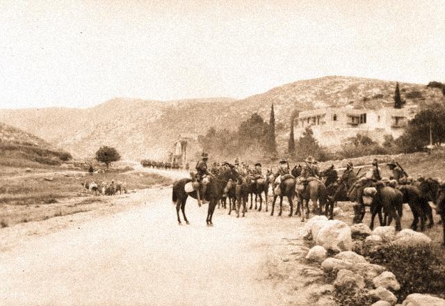 7.3b 4th_Light_Horse_Regiment_entering_the_Judean_Hills_1918