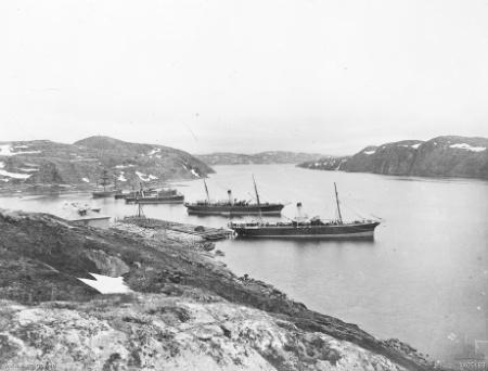 9.3b Murmansk_harbour_Russia_1918_(AWM_A05183)