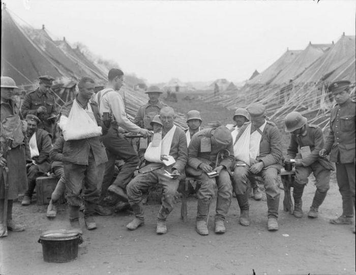 A2 Villers Bretonneux german prisoners