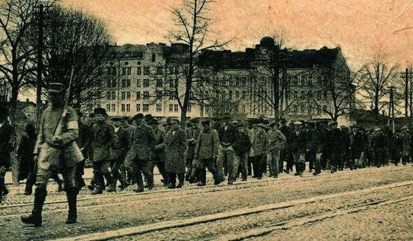 B1 Vyborg_prisoners_1918