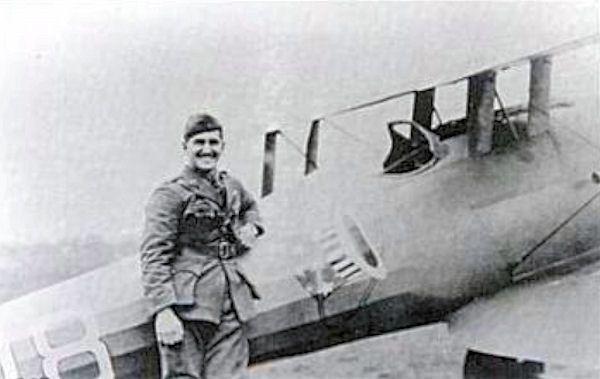 E1 Lieutenant_Douglas_Campbell