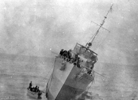 C1 HMS_Phoenix_(1911)_sinking