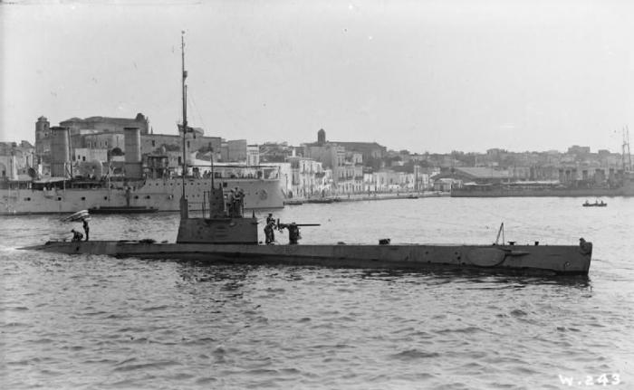 C2 HMS_H4_Brindisi_1916_IWM_SP_578
