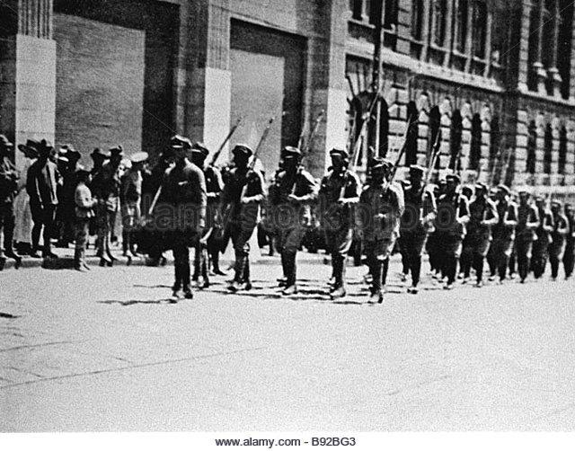 B1 czechoslovak-troops-in-vladivostok-in-june-1918-during-the-russian-b92bg3