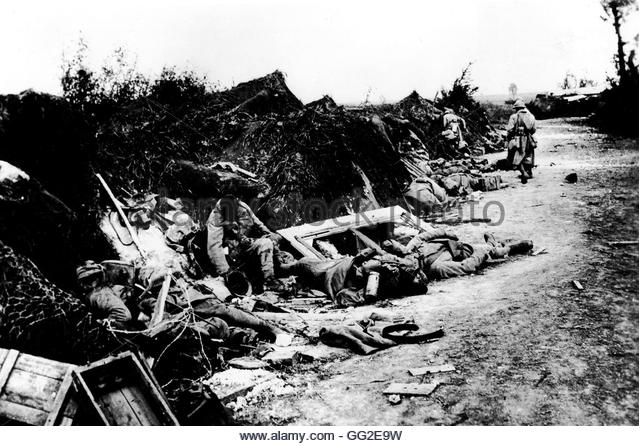 A4 seizing-of-courcelles-here-after-the-german-attacks-french-soldiers-killed