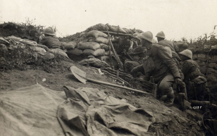 B2 WWI_-_Battle_of_the_Piave_River_-_Italian_machine_gun_position_near_Cand