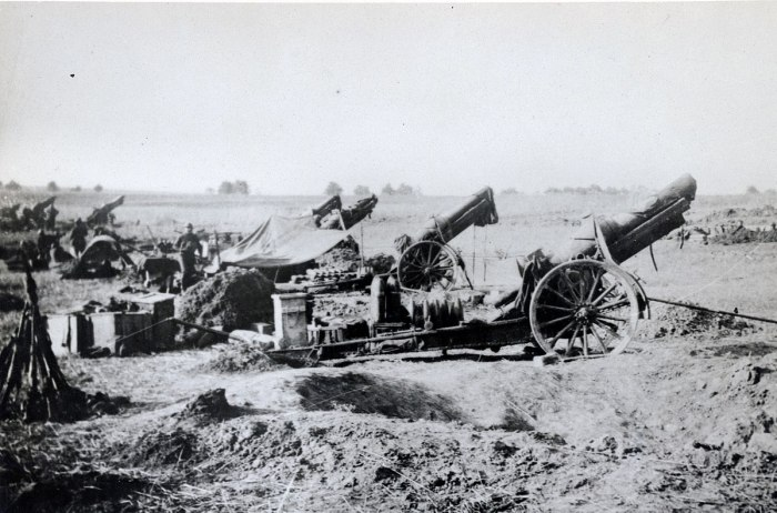 22.7a American_heavy_artillery_at_Soissons_1918
