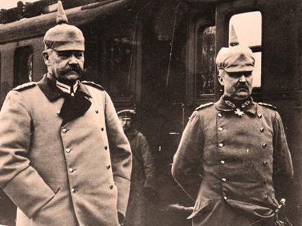 16.7aa Hindenburg_and_Ludendorff