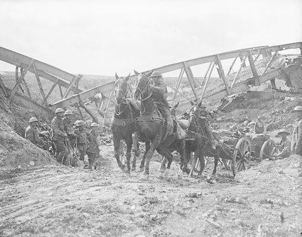 19.9a Horse team of the Royal Field Artillery pulling an 18 pounder field gun near Moeuvres