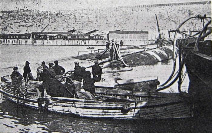 19.9c glatton air being pumped in during salvage 1925