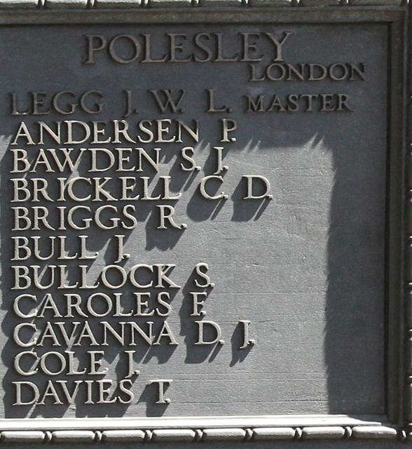 22.9b Polesley1