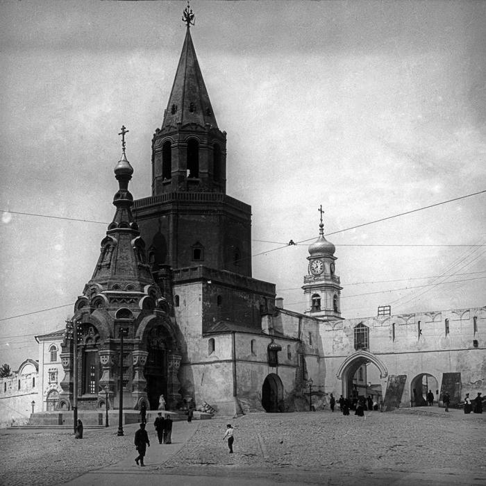 6.8c Christ_the_Saviour_Tower_in_Kaza